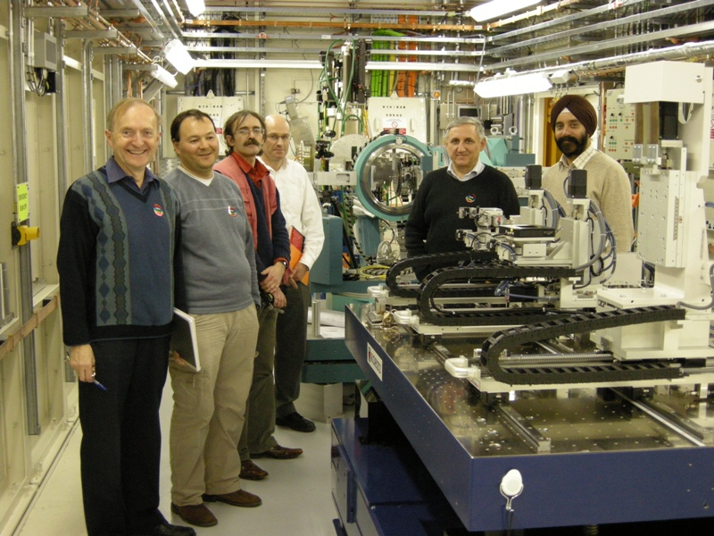 Beamline B16 welcomes first user