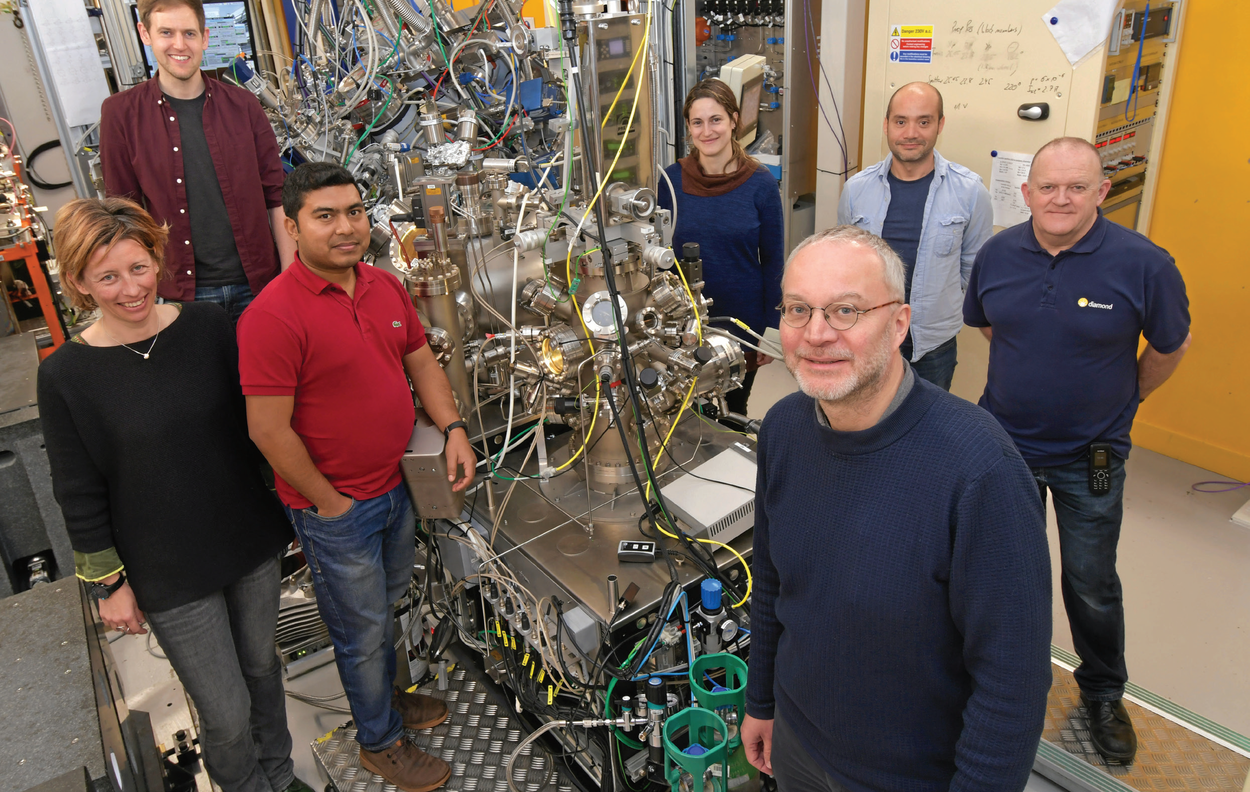 The VERSOX team on the beamline, from left to right: Federica Venturini, Dave Grinter, Kanak Roy, Pilar Ferrer, Georg Held (PBS), Wilson Quevedo Garzon, and Andrew Watts.