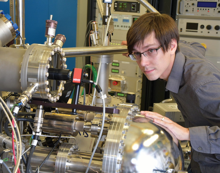 Luke Rhodes, joint PhD student with Royal Holloway and Diamond, using the ARPES facility
